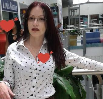 Carolina Peliroja Madura Atrevida y Erotica
