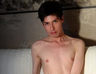 Chico escort pas... Escort bottom boy