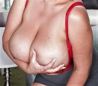 Siempre mis masajes eróticos con final feliz....Karminaa
