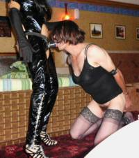 Pegging dominatrix en guatemala sado femdom strap-on golden shower bondage bdsm