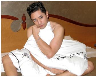 Me llamo Kevin doy Servicio de Compañia y Masaje Erótico para Caballeros y Parejas-Hotel