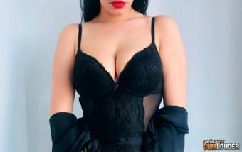 Adriana Leone