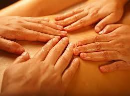 exelente  masaje  con  dos  maduritas  contamos con lugar